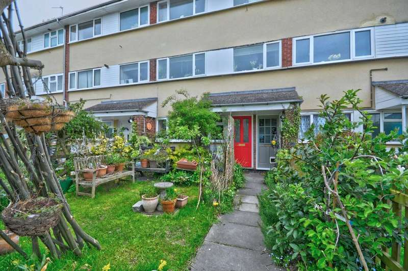 Studio Flat for sale in Wheeler End, Chinnor