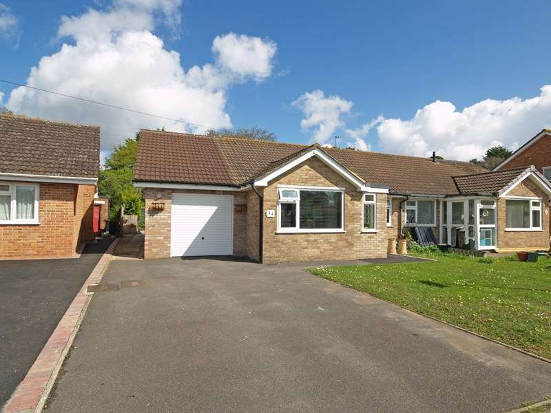 3 Bedrooms Bungalow for sale in Havelock Way, Highcliffe, Christchurch