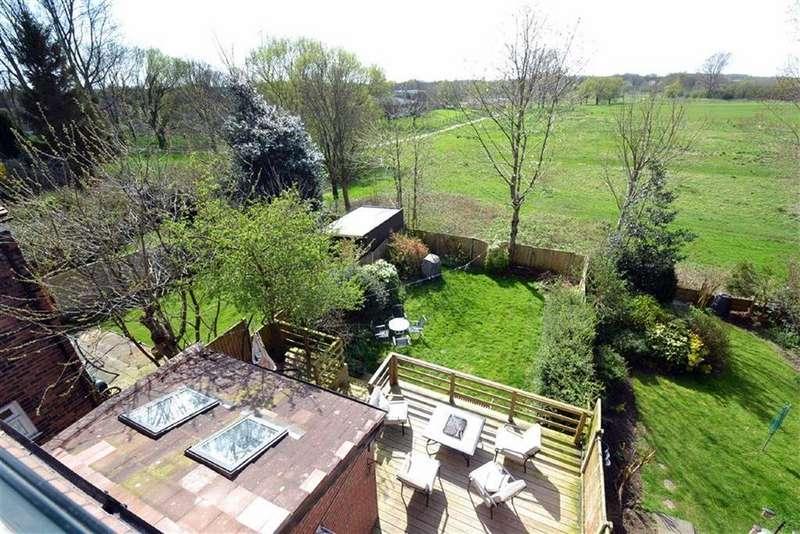 5 Bedrooms Semi Detached House for sale in Redland Crescent, Chorlton