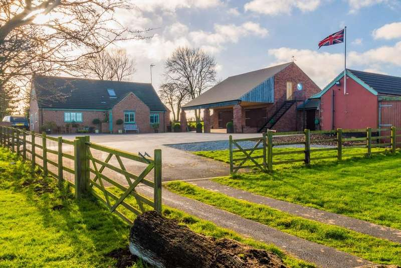 4 Bedrooms Farm House Character Property for sale in Pear Tree Farm, Wentbridge