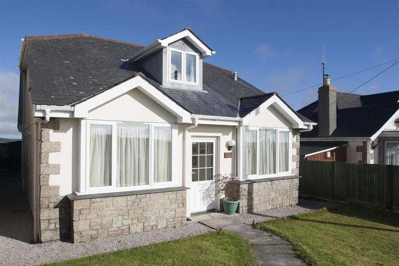 4 Bedrooms Detached Bungalow for sale in Rame Cross, Penryn