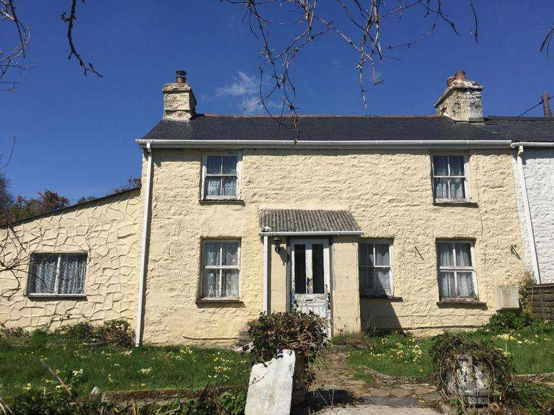 2 Bedrooms Semi Detached House for sale in Pensilva, Cornwall
