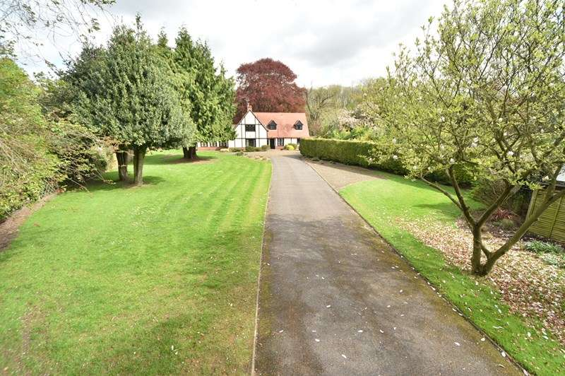 5 Bedrooms Detached House for sale in The Street, Barton Mills, Bury St. Edmunds