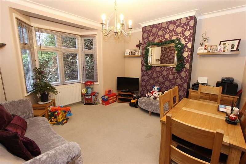 2 Bedrooms Flat for rent in Green Lanes, Winchmore Hill