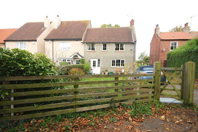 3 Bedrooms Semi Detached House for rent in The Green, Darlington