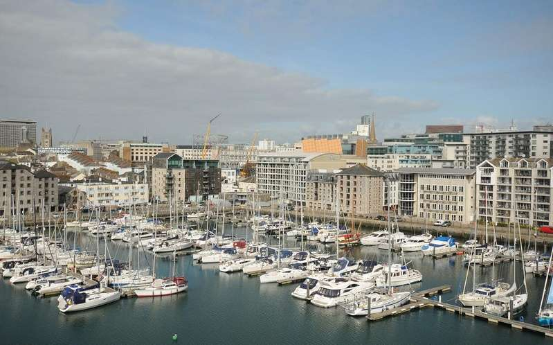 2 Bedrooms Apartment Flat for sale in Discovery Wharf, Sutton Harbour