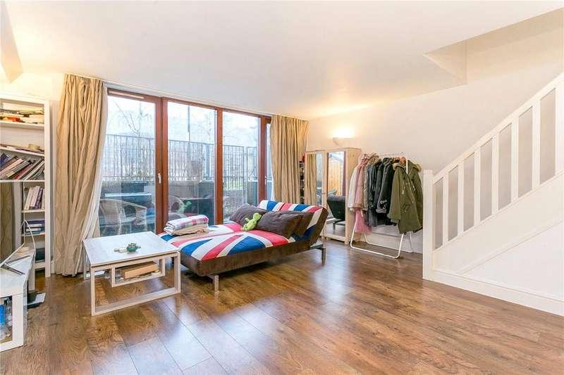 3 Bedrooms Flat for sale in Naylor Building East, 15 Adler Street, London, E1