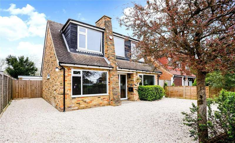 3 Bedrooms Detached House for sale in Elizabeth Avenue, Little Chalfont, Buckinghamshire, HP6