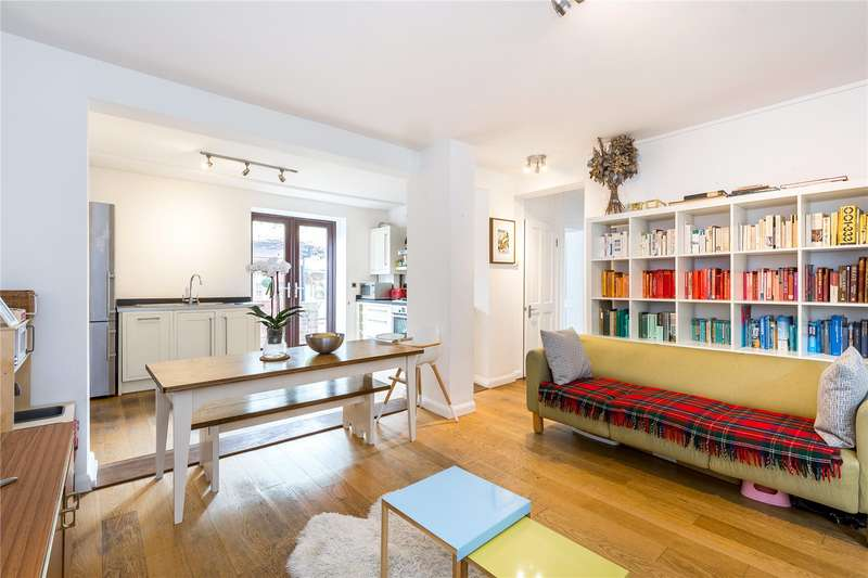 2 Bedrooms Flat for sale in Ecclesbourne Road, London, N1