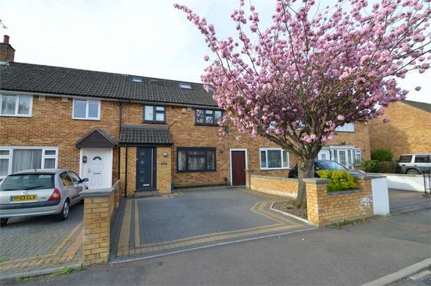 4 Bedrooms Terraced House for rent in Limes Road, Cheshunt, WALTHAM CROSS, Hertfordshire