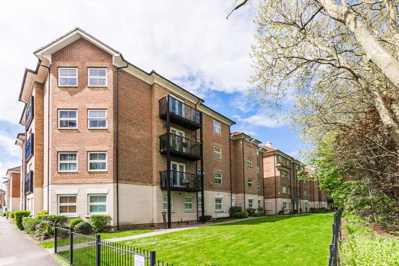 1 Bedroom Flat for sale in Coppetts Road, Muswell Hill, N10
