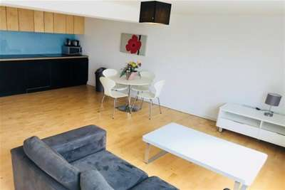 2 Bedrooms Flat for rent in Saxton, The Avenue, Leeds City Centre