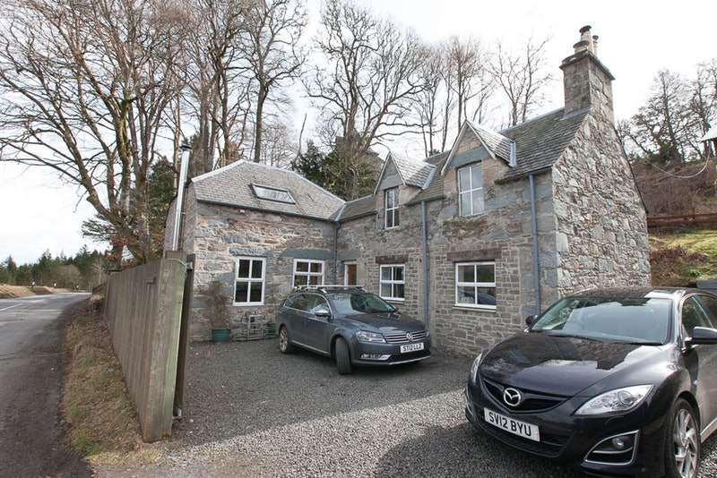 3 Bedrooms Detached House for sale in Dunkeld, Dunkeld, Perthshire, PH8