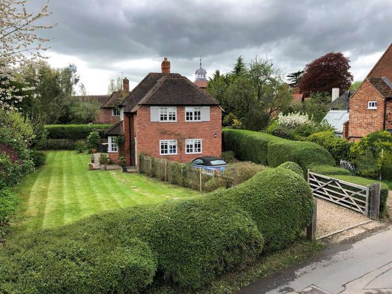 4 Bedrooms Detached House for sale in School Lane, Cookham
