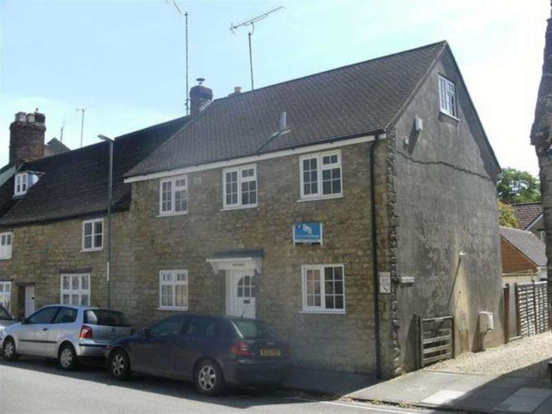 3 Bedrooms Cottage House for rent in COMPARE OUR FEES