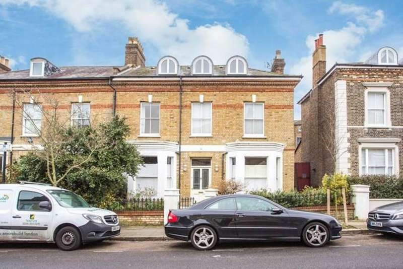 5 Bedrooms Semi Detached House for sale in Beacon Hill, London, N7