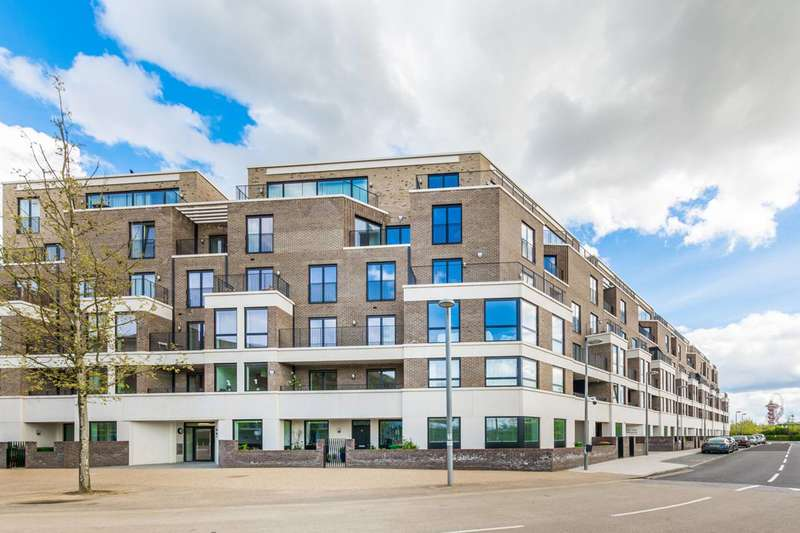 3 Bedrooms Flat for sale in Park View Mansions, Stratford, E20