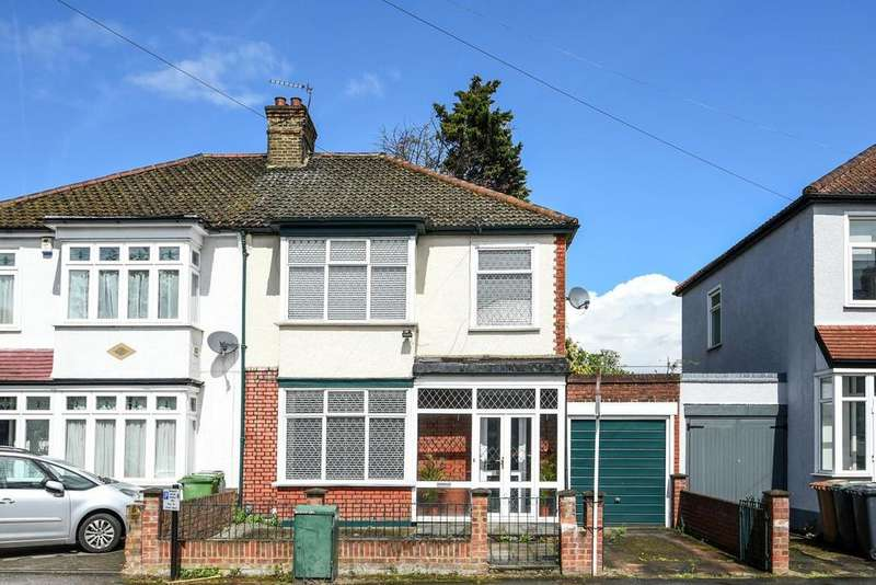 4 Bedrooms Semi Detached House for sale in Holme Lacey Road, Lee