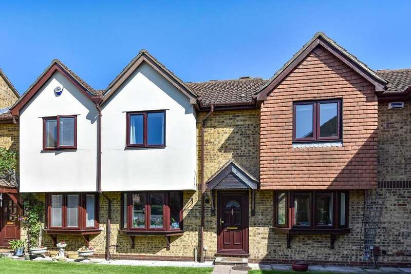 2 Bedrooms Terraced House for sale in Turners Meadow Way, Beckenham