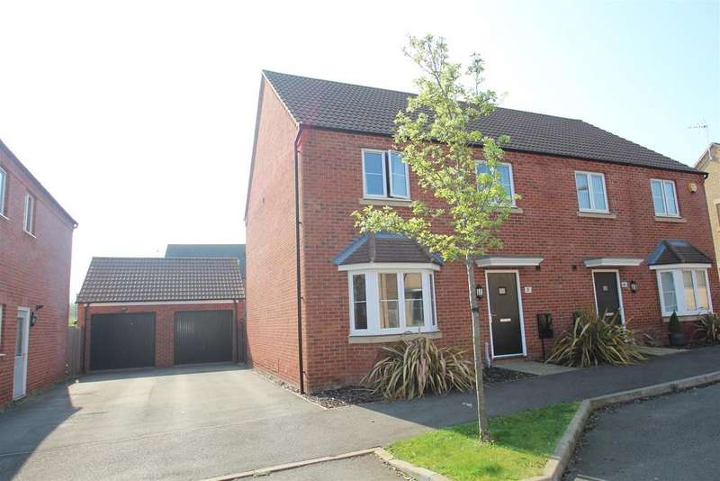 4 Bedrooms Semi Detached House for sale in Oakridge Park, Milton Keynes
