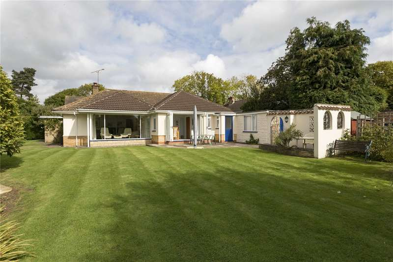 4 Bedrooms Detached Bungalow for sale in Holly Bush Lane, Priors Marston, Southam, Warwickshire, CV47