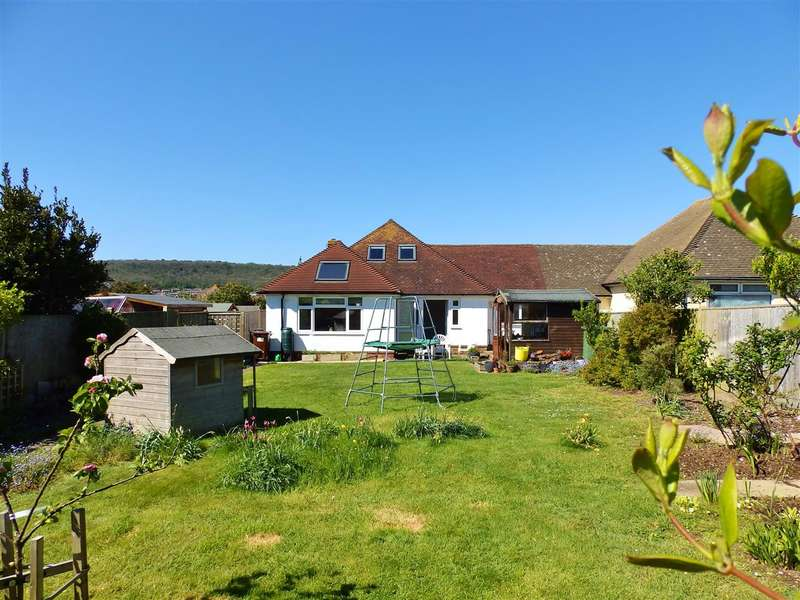4 Bedrooms Chalet House for sale in Luton Close, Eastbourne