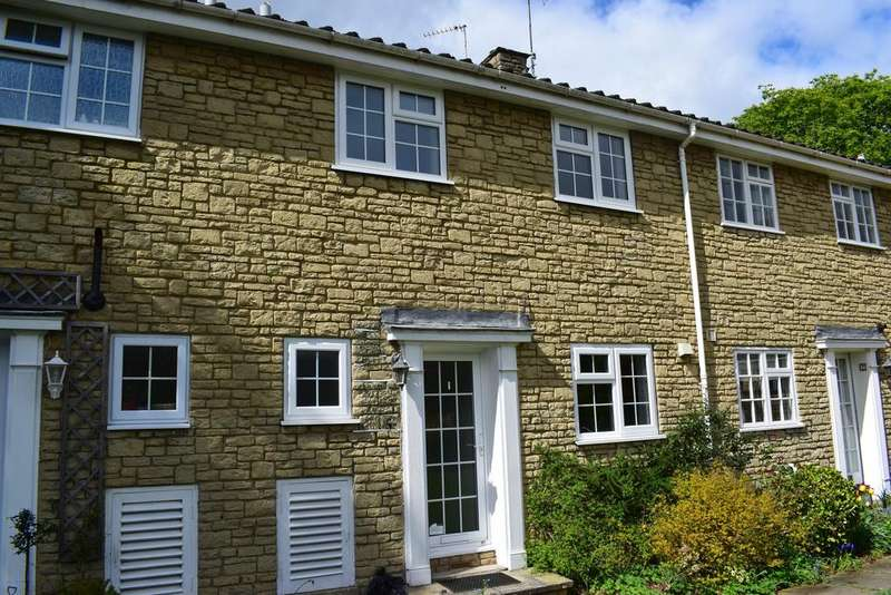 3 Bedrooms Terraced House for rent in Boston Mews, Boston Spa, Wetherby, LS23 6JE