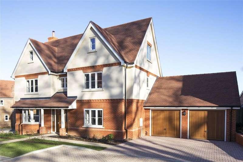 5 Bedrooms Detached House for sale in Fleet Road, Hartley Wintney, Hook, Hampshire