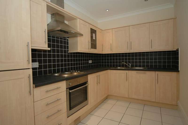 3 Bedrooms Apartment Flat for rent in Apt 9 St Georges Court, Beverley Road