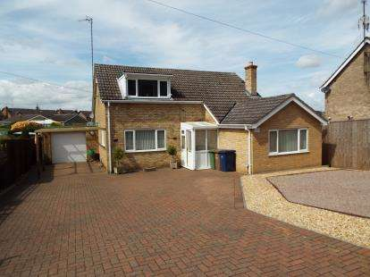 3 Bedrooms Bungalow for sale in Wisbech, Cambs
