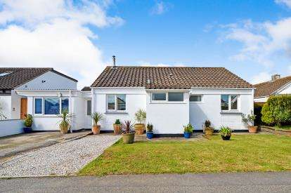 4 Bedrooms Bungalow for sale in St. Newlyn East, Newquay, Cornwall
