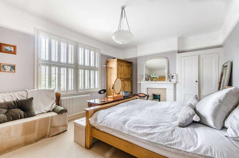 4 Bedrooms Detached House for sale in Garlies Road, Forest Hill, SE23