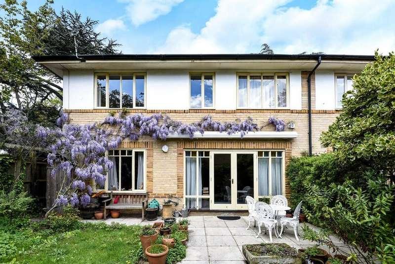 3 Bedrooms Terraced House for sale in Oak Park Gardens, Southfields