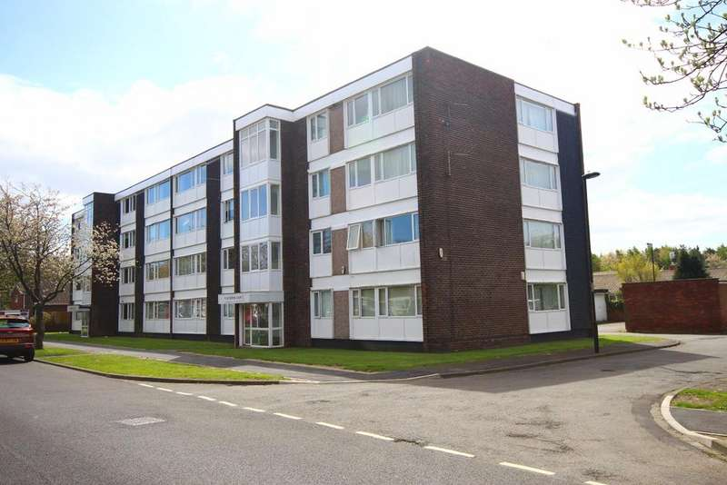 1 Bedroom Flat for sale in Boston Court, Feetham Avenue, Forest Hall, Newcastle upon Tyne, NE12