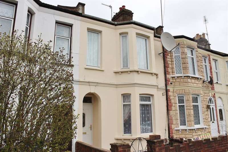 3 Bedrooms Terraced House for sale in Abbey Road, Belvedere, Kent, DA17 5DF