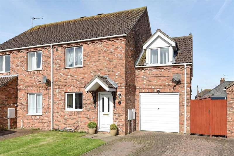 3 Bedrooms Semi Detached House for sale in Blenheim Road, Coningsby, LN4