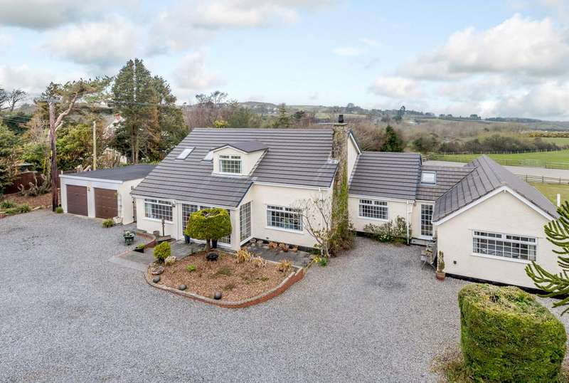 5 Bedrooms Detached House for sale in Dulas