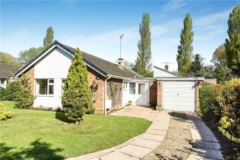 4 Bedrooms Detached Bungalow for sale in Meadway, Harrold, Bedfordshire