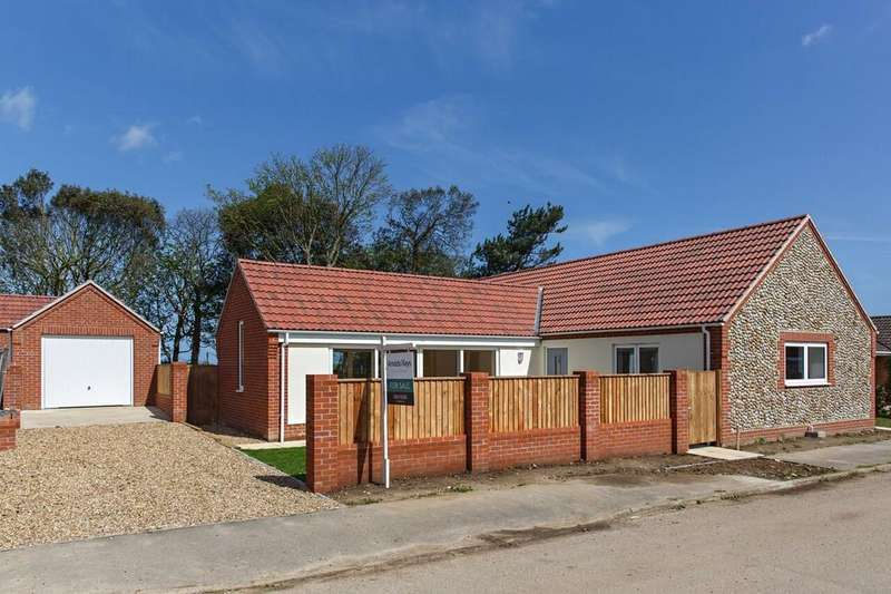 3 Bedrooms Detached Bungalow for sale in Hillingdon Park, Overstrand