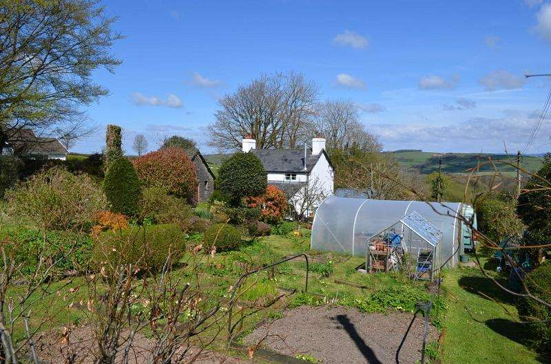 3 Bedrooms Detached House for sale in Delfryn , Blaencwrt, Llanwnnen, Lampeter, Ceredigion. SA48 7LW