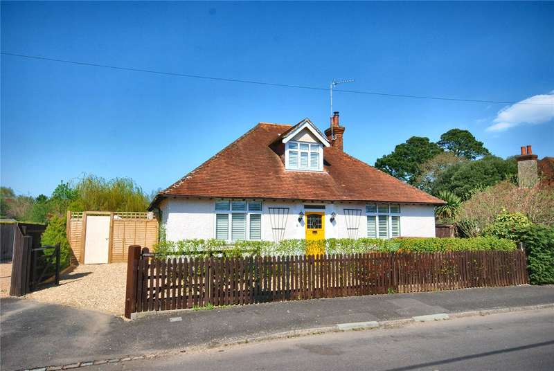 3 Bedrooms Detached House for sale in Waverley Road, Fordingbridge, Hampshire, SP6
