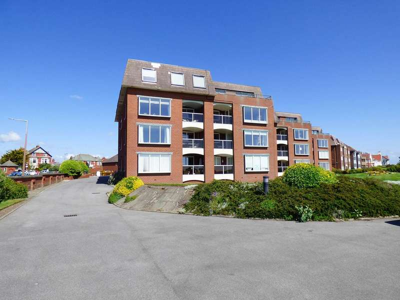 2 Bedrooms Apartment Flat for sale in Lake Point, Marine Drive, Fairhaven, Lytham St. Annes.