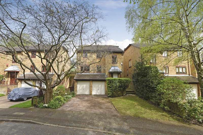 4 Bedrooms Detached House for sale in Kingswood Drive, London SE19