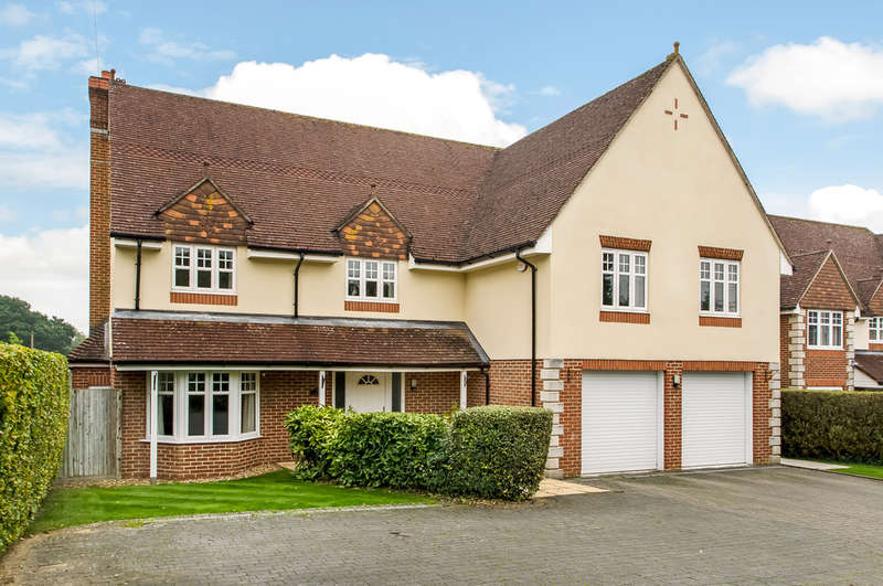6 Bedrooms Detached House for sale in Denmead, Hampshire