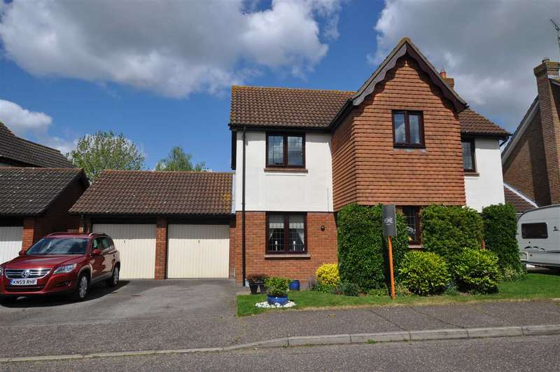 4 Bedrooms Detached House for sale in Pollards Green, Chelmer Village