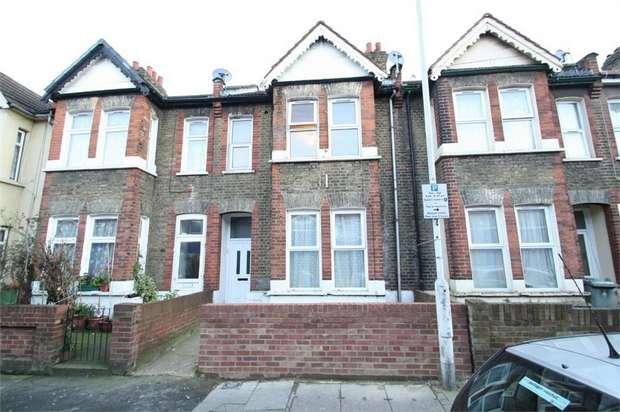 1 Bedroom Flat for sale in Burges Road, East Ham, London