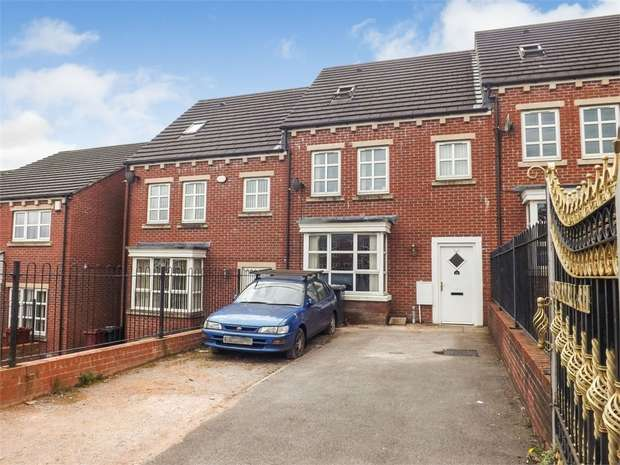 4 Bedrooms Town House for sale in Roney Street, Blackburn, Lancashire