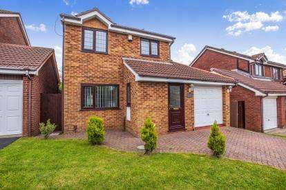 4 Bedrooms Detached House for sale in Geldof Drive, Blackpool, Lancashire, ., FY1