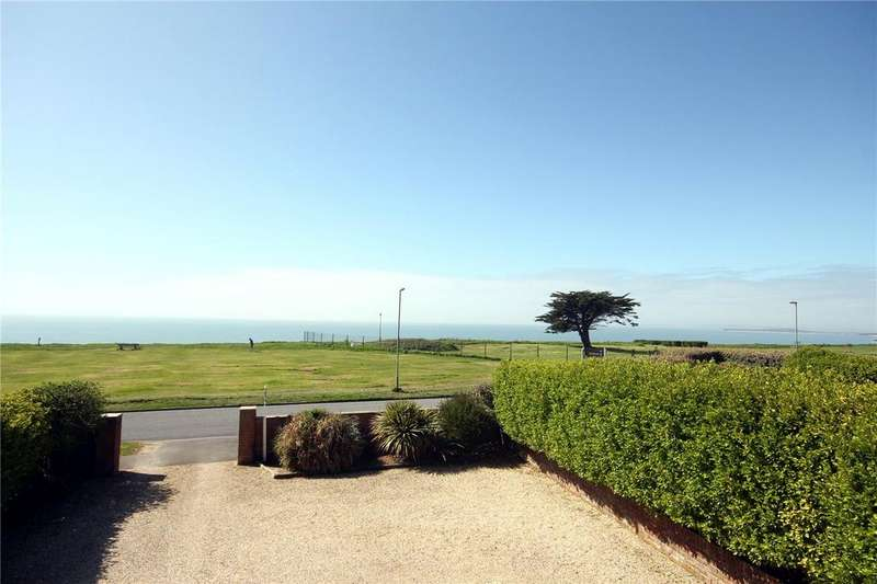 4 Bedrooms Detached House for sale in Marine Drive West, Barton on Sea, New Milton, Hampshire, BH25