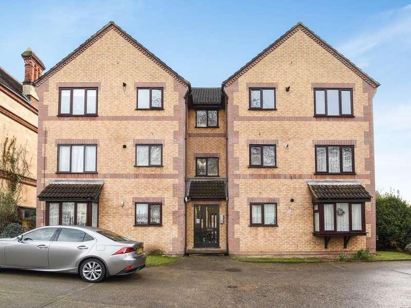 2 Bedrooms Apartment Flat for sale in John Balliol Court, Denmark Road, Reading, RG1